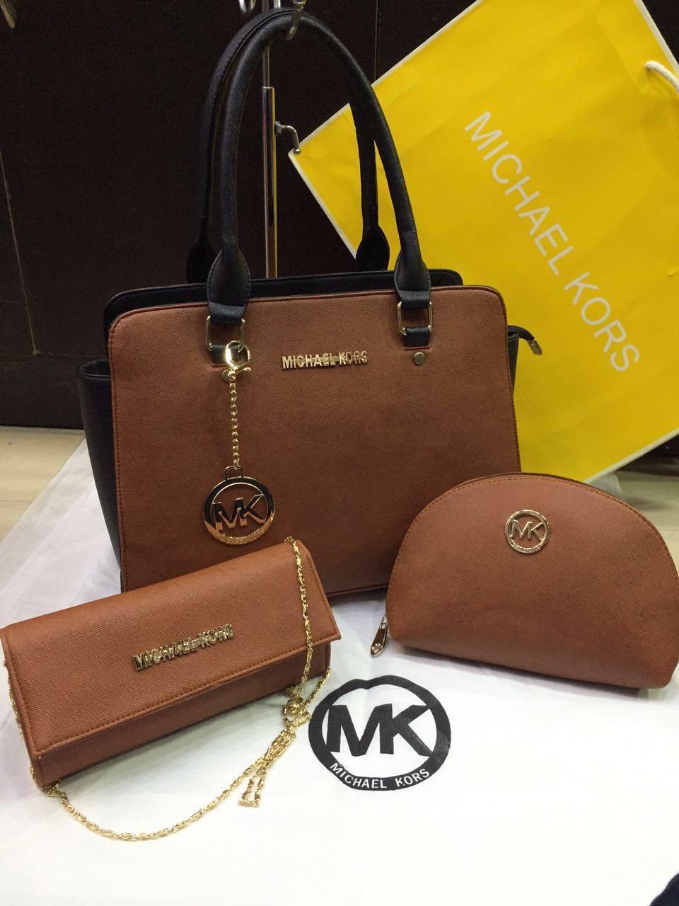 ✨MK Double colour combo ✨✨  ⚡Price :1650+shipping ⚡  💠Limited stock 💠  Whatsapp num 9893705556   #glitzygallery #HandBag #KeepItStylish #handbag#handbagslove#handbagsbrand#hangbags#trendybags#casaul#handbags#spacious#bags#stylish#goodleather#partywear#casualwear#lightweight#lookgo#handbagsessentials #dior #mk #mkbags #mkbag #classylook #brandlove #michaelkors #michaelkorsbag