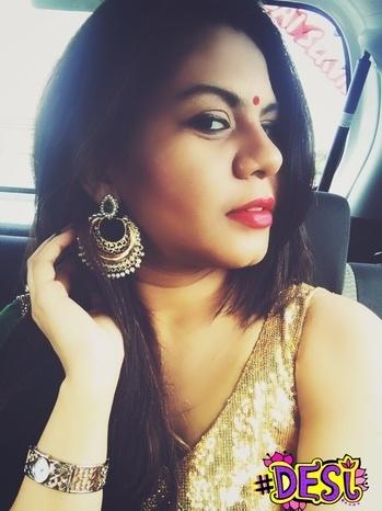 #pujalook #dushera #makeup #durgapuja2016 #durgapujo #redlips #redbindi #pandalhopping #jhumkas #sareeday #goldenblouse #eyeshadow #desi #ethnic #whatiwore #fashion #blogger #soroposo #roposoblogger #roposogal #likeforlike #followforfollow #desi