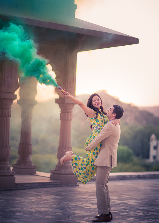 How I love colour! I am so proud to be one of the photographers who DEFINED smoke photography in India! :) #trendsetter #love #makeup #wedding #bridal #prewedding #inspiration #clothes #outfit #look #smoke #akpbrides #akpcouples