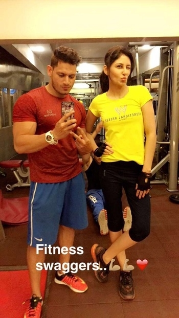 #gymswaggers killing it in the gym with my trainer !! #fitness