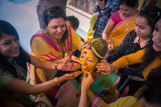 That moment when you're the centre of attention! #brides #indianweddings #mehendi #love #look #new #makeup #bridal #dress ##newdp #traditional#styling #likeforlike #cute #clothes #outfit #wow #hot #picoftheday #ladies #fashionstyle #look