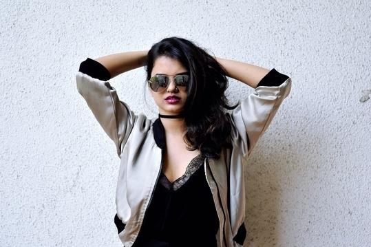 Bomber loving! #bloggerstyle #bomber #bomberjacket #fashion #soroposo #ootd #streetstyle