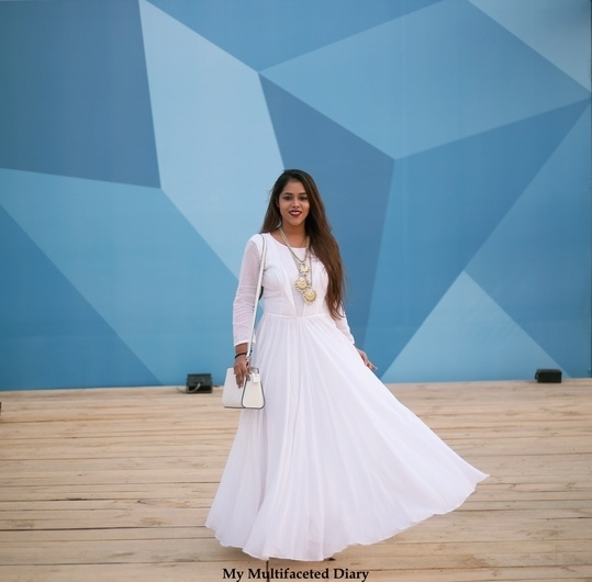 #IndiaAgainstCorruption #WhiteOut   Do you support corruption free India?   Also, details of this look: http://mymultifaceteddiary.com/what-i-wore-to-aifw-part-2/
