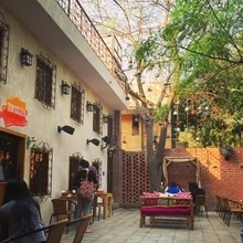 Delhi needs more such places , what do you think? #delhi #cafehunting  #food