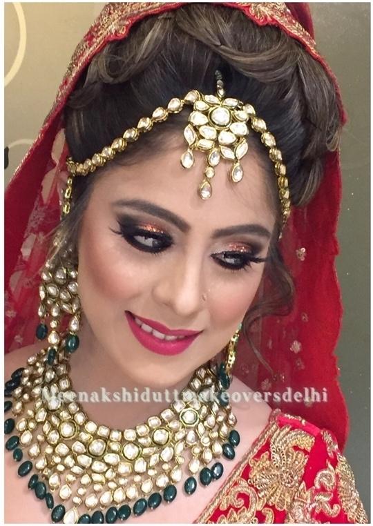 Look ur best on ur special day only at #meenakshiduttmakeoversdelhi #meenakshidutt #muadelhi #makeupartistindia #bridalmakeup #bridalmakeupartistindia #bestbridalmakeupartistdelhi #indianbridalmakeup #indianbride #bridalmakeup