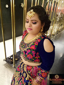 #Elegant Airbrush #Party Makeup 😍 Contact us on 9911980660 For #Enquiry & #Prices | Get Any #One Service Global Colouring / Keratin / Rebounding / Straight Therapy / Smoothing Rs.3500/- Onwards <3