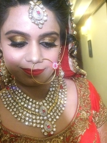 My stunning bride 👰  @maccosmetics  #watastunner #bridesdiaries #bridalbliss #happybride #happyclient #bridaldiaries #styleonfleek #redlips #goldeyes #lashesonfleek #europarislashes #prettybride  #prettinessoverload #happybridesaretheprettiest #roposobride #roposolove #roposofollowerlove #soroposogirl #loveformakeup #lovemywork #muaforlife  💅👄💋👛😘  Look like a dream on ur D-day Bookings open for 2017 For bookings call or watsapp - 9650687871,9899992189