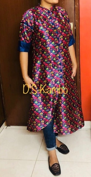 Hartej Creations by D.S Kambo. An asymmetrical elephant print Kurta. Fabric : Tassar Silk  Can be customised in any size. WhatsApp us at  9717561066 for orders 💝   #hartejcreations #elephantprint #printlove #handcrafted #asymmetrical #blue#ootd#fusionwear #fashion #love