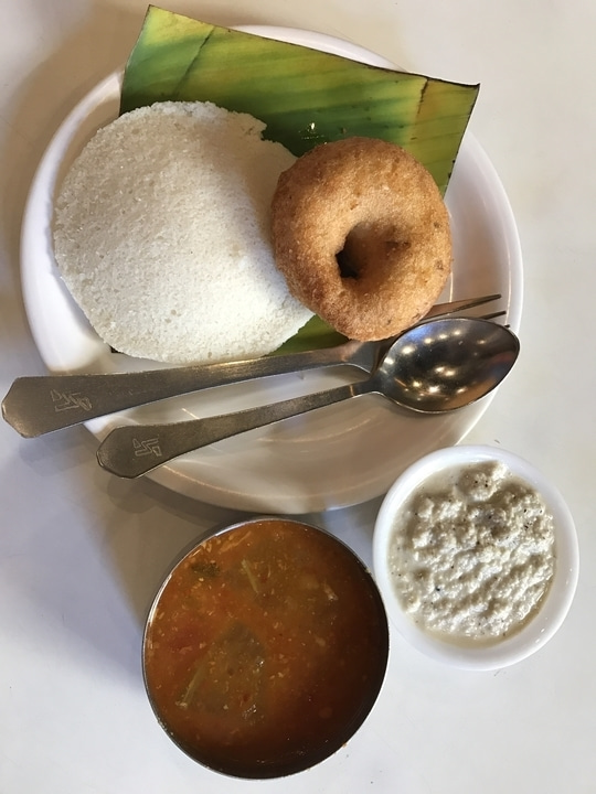 Ek plate idli vada please 😍 #foodiesofindia  #food
