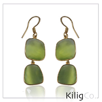#Kiligstyletip Make a statement with these Minimalistic earrings, featuring Green stone in gold detailing. Secured with a lever closure. Wear it casually or to a fancy dinner, compliment it with a matching green stone necklace.  Shop Now> http://ow.ly/LXTD307Tj6q #kiligco #fashion #style #trend #trending #styletip #earrings #color #onlineshopping #love #jewellery #fusion #india #love #instagood #instadaily #productoftheday #shopping #style #fashionista #picoftheday #ootd #ootd #like4like #instafashion