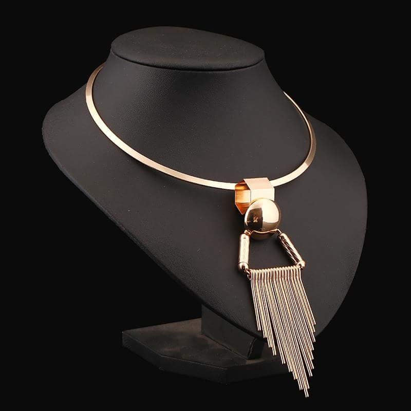 PAMPER YOURSELF WITH THIS REFINED ARITISTIC NECKPIECE THIS YEAR #fashionnecklacejewelleryjewelrylatestnew