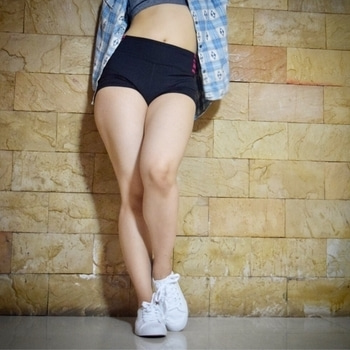 I love my chicken legs🍗😉 ..if you want to make chicken legs then do Workout everyday😏🏃🏻♀️..workout is a best exercise ever💁🏻 #love #daily #morning #workout #exercise #zumba #yoga #sexy #legs #thigh #instagram #instagood #instadaily #good #healthylifestyle #white #shoes #roposo #fitness