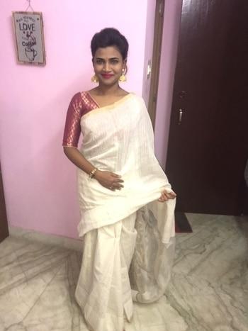 #sareelove #sareeswag #sareelover #traditionalwear #jhumka_obsession #whitesaree #bindi #fashion-diva #style-file #roposoblogger #kolkatafashionblogger #keepitstylish