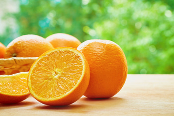 #ProTip Health: Have An Orange Before Workout  Eating an orange 20 minutes before workout not only keeps you hydrated but also prevents your muscles from getting sore. The vitamins also give you more energy!  #MakeLifeSimple #fitness #instafit #fitnessmotivation #fitandhappy #instafitness #fitnessgoal #stayfit #fitnessinspiration #instahealthy #instatip #fitnesstip #diet #dieting #dietplan #eat #eathealthy #food #oranges #fruits