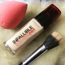 Blog post alert ! New post went live on my blog on this top most raved foundation by @lorealmakeup infallible . To checkout review, pros & cons headover to my blog. Link in my bio! ( www.pinksnglitters.com )  #blogpostalert #newpost #loreal #makeup #infallible #liquidfoundation #fullcoverage #review #pros #cons #beautypost #blogger #beautyblogger #bblogger #blogpost #makeupartist #mua #pinksnglitters