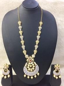 #handmadejewellery   #handcrafted #souldesibysj #soulfuldesignsbyshwetaa #designernecklace #designerwear #iriscollections  #cottonjewelry  #jewelry #jewelrydesigner #artist #lovetocreate #😊 #weddingwearonline #weddingcollection #kanjeevaramsaree
