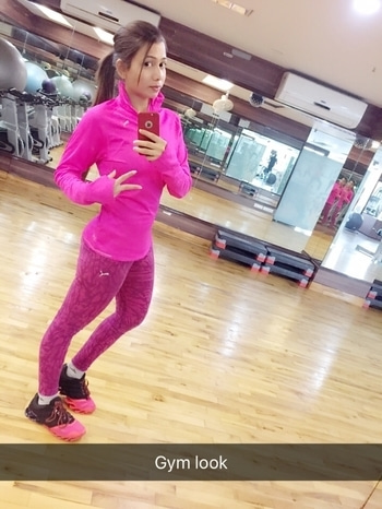 """""""A girl in the gym is sexier than a girl in the club"""" #gymlook #gymfreak #lovelyday #pinkdress #like4like #followme #roposolive #roposofitness #roposoforlife #gymoutfits #workoutmotivation #motivationalstyle #alwaysinstyle"""