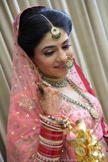 """""""Thank you for making my wedding more beautiful than I could imagine"""" -Dr. Garima HD Bridal Makeup starting from Rs.10999* Also avail upto 30% discount on Pre-Bridal Services Limited Period Offer! Book now to avail the offer... New Rajinder Nagar Outlet ☎ 011-42412311/9871943911 Defence Colony Outlet ☎ 011-41556121/9910655455 Golf Course Road, Gurgaon Outlet ☎ 0124-4370222/9910016076 www.simranns.com"""