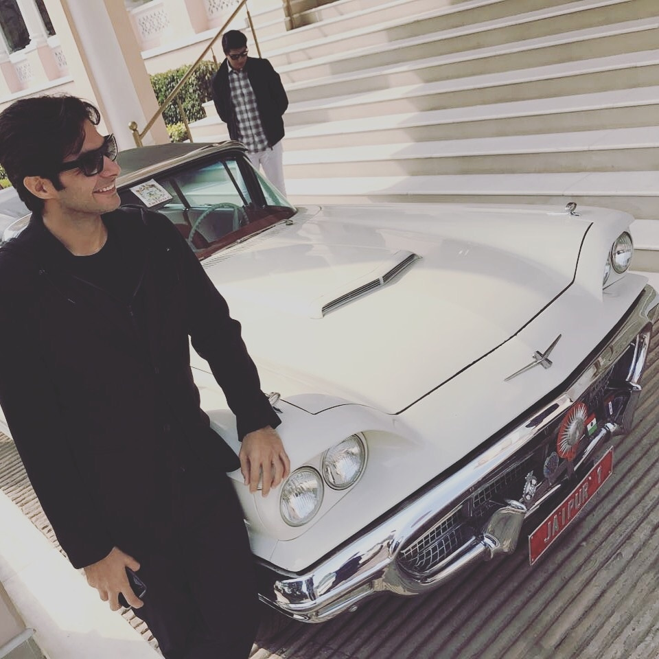 With the Plymouth Thunderbird at the Raj Mahal Palace in Jaipur! Road Trip anyone?? #car #heritage #royalty #palace #roadtrip #classy #white #black #life #roposolifestyle