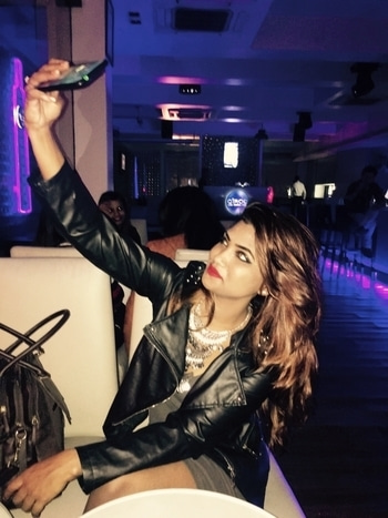When you love taking selfie ;) #selfie #fashionmoment #styleaddict #partylover #style-file #party #roposoblogger #keepitstylish