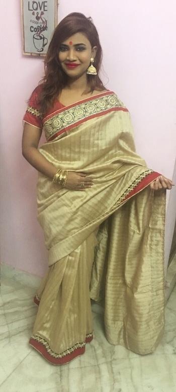 #sareeswag #sareelove #traditionalwear #bengaligirl #jhumkalove #redlips #roposoblogger #fashion-diva #style-file #roposogal #roposoaddict #keepitstylish