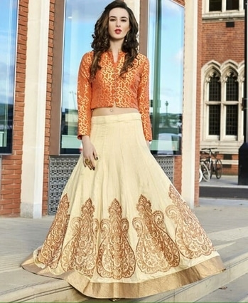 Beige And Orange Designer Lehenga  Product code - FCL348   Available at www.fashionclozet.com  Watsapp - +91 9930777376 Email -  info@fashionclozet.com Or DM for enquiries.  #indowestern #indianfashion #india #indians #diamirza  #indiancricketteam #teamindia #chudidar #newzealand #bride #desibride #indianbride #pakistanibride #pakistan #bollywood #desifashion #desi #desibridal #wedding #weddinginspiration #dulhan #shaadi #indianwedding #desiwedding #weddingdiaries #weddingphotography #pakistanifashion #desicouture #pakistani #indianfashion