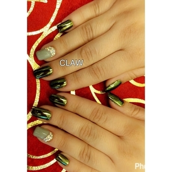 The new trend is ORGANIC nails 💅🏻available only at Claw   #organic nailsextension #chrome nails #getclawed  For appointments in Delhi call on 9811197099 , 9278375598 ,  9871798965 , 011-41038464 WEBSITE : www.claw-nails.com