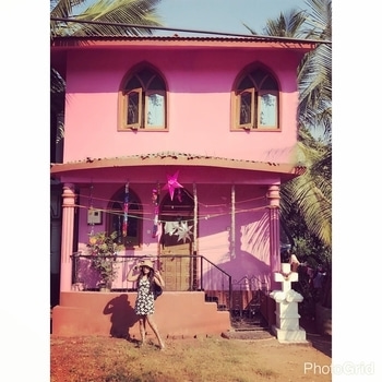And how I miss 🤔sharing this cute #pink #house  And this I ❤️ about #goa  The houses are so #colorful #vibrant depicting its own story, own character..!! . . . . . . . . #reminiscing #goadiaries #travel #travelphotography #travelgram #travelwithme #traveller #traveldiaries  #goadiaries  #wanderlust #travelinstyle #stylecheck #fashion #fashiondiaries #outfit #whatiwore #outfitinspiration #instagram #reminiscing #fashionblogger #fashiongirls #soroposo #travelsoul #gramoftheday #potd #stylingtips
