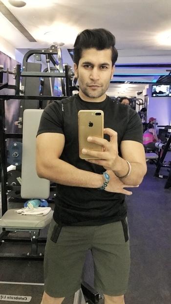In pain and in happyness 😁💪🏼 #men #mensstyle #mensfashion #gymrat #goals #fitness #gains #lean #muscle #2017 #januaryphotochallenge #january #fitnessmotivation #underarmour #reebok #nike #selfie #beard #menshair