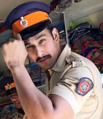 Danishkhan! #style #stylish #film #filmblogger #filmshoot #upcoming #actor ##Actorlife #movie #inspector #maharashtra #police #roll #rolling #action #ready #for #action #follow #followme #roposodaily #roposo #mumbai #bollywoodactor #photooftheday #me #mumbaikar #your #angry #boy #danishkhan🎞🎥