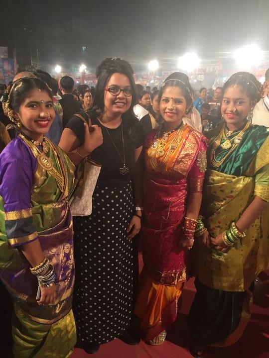 The koliwada festival .. glamour serving great food !! Thanks @harshadvesaokar ! #marathi #kolicommunity #realindia #glamour