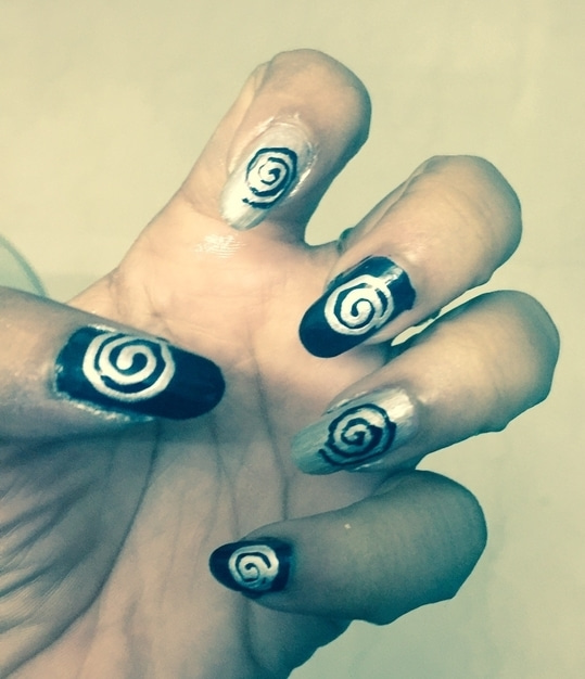 The spirals 🌀🌀 #nailart