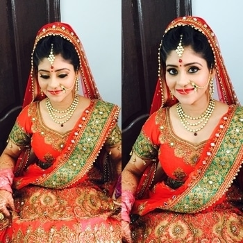 Today's morning bride Arpita. Dolled up this pretty bride for her day wedding in a classy subtle bridal makeup.  Makeup and hairdo by Richa Malik's makeovers. For such beautiful wedding looks, contact Richa Malik's makeovers 9891016653. #asianbridalmakeup #delhimakeupartist #richamaliksmakeovers #bestmakeupartistgurgaon #delhimakeupartist #indianbridalmakeup #makeupartist #makeupaddict #makeuplove #bridalmakeup  #makeup