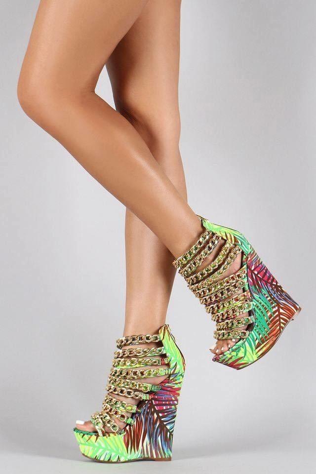 #heel #highheel #heelstyle #heelfashion #qasicsfashion #roposofashion #heelcolor #streetstyle #streetfashion #fashion #ootd #heels #guess #summers #lookbook #sleek #roposo #roposolove #roposostylefiles #roposodaily #flowerheel #heelove #heelover