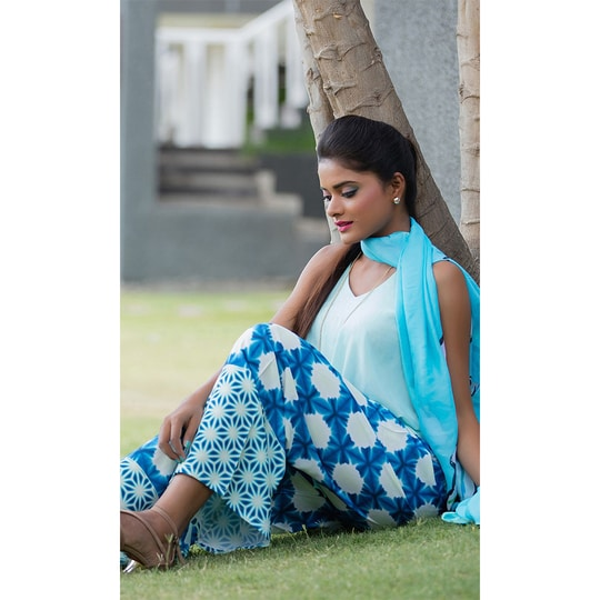 """#Crepe #Printed #Palazzo Pant • Fabric : Crepe • Size : Free Size ( Suited to 28""""- 46"""" waist ) • Length : 38 Inches approx #FreeShipping in #India  http://www.ishimaya.com/bottoms/palazzo/crepe/blue-printed-crepe-palazzo-pant.html?utm_source=roposo&utm_medium=refferal&utm_campaign=smo"""
