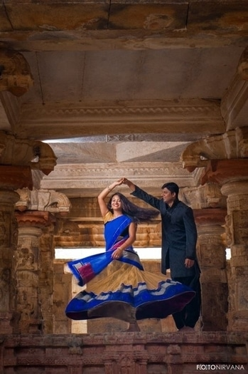 Pre-Wedding Shoot Idea #1: If you and your significant other admire architecture, then pick an ancient site. It makes for an aesthetic backdrop. You can choose from temples, monuments and even old ruins!  Clicked by Foto Nirvana.  Book a professional photographer for your pre-wedding shoot from UrbanClap by clicking on the link in bio!  #MakeLifeSimple #weddings #weddingseason #weddingsnap #urbanweddings #instawedding #picoftheday #indianwedding #instahappy #photolove #instagood #instalove #hitched #weddingphotographers #photographers #photographersofindia #couple #prewedding #preweddingphoto #preweddingshoot
