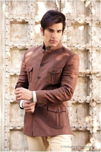 #ethnic #sherwani #coat #brown #chocolate #model #studioone #shoot #shooting #delhi #indian #indianfashionblogger #indianstyle