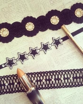 Choker Mania continues 😍 . . . . . . #theredbox #crazysexycool #choker #necklace #chokers #necklaces #chokernecklace #gold #goldchoker #blackchoker #gorgeous #sopretty #sofun #goldliner #goldlipstick #lovethese #stars #lace #floral #shineon #chokermania #chokerparty #happyshopping #instafashion #soroposo
