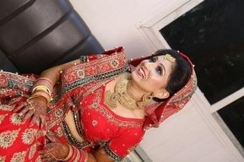 Beautiful bride 😍 @wedmegood   @maccosmetics  #happybridesaretheprettiest #beautyinred #bridalbliss #weddingseasonspecial #hereabridethereabrideeverywhereabride #wedding-lehnga #weddinngjwellry #weddingglam #wedmegoodbride #roposobride #roposobeauty #roposoprettiness #soroposogirl #roposostylefiles #roposofeeds #lovemywork #muaforlife   Bookings open for feburary onwards season Ping for bookings for weddings and photoshoots Shubhi batra-9650687871,9899992189