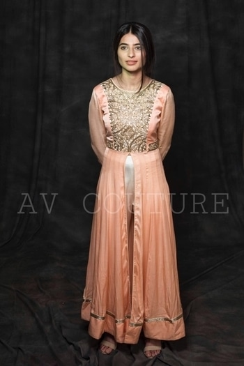 Exclusive pricing for roposo! The beautiful dress with handwork on the York is available at never before prices. Get in touch with us yo know more. INR 6000 only! #ropsofashion #roposo #sale #salealert #mumbai #weddding #wedding-outfits #wedding-suits