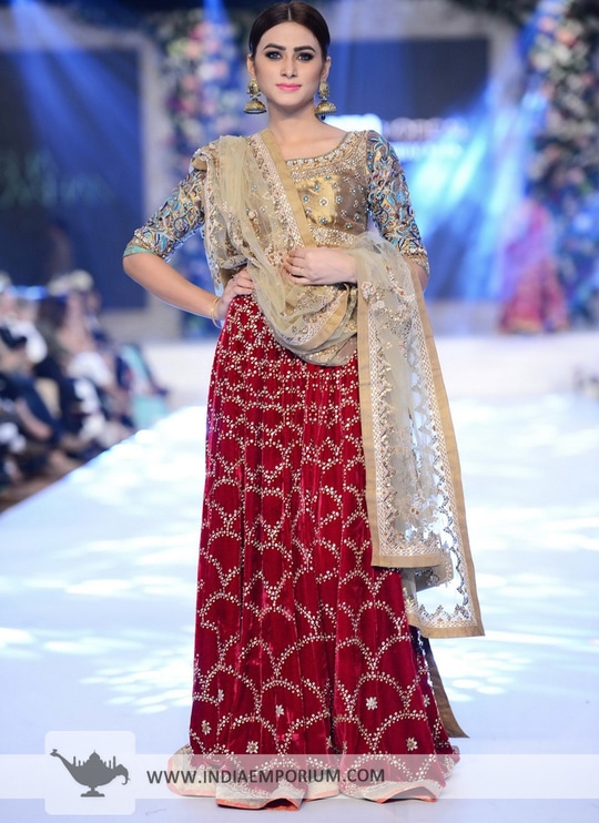 Gorgeous Look!Golden Boat Neck flairStyle #lehengacholi  View @indiaemporium