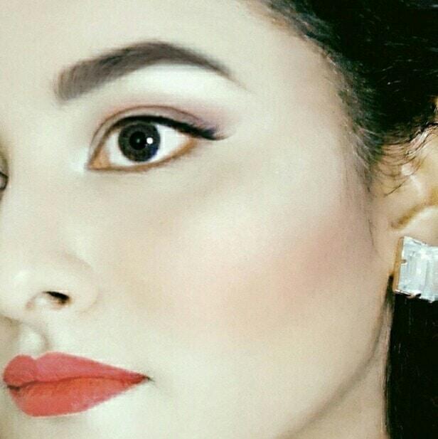 Rhea Khan : Elegant Look #coral #chanel #elegance #style #fashion #fashionblogger #styleblogger #fashionblog #styleblog #dubai #dxb #emirates #lipstick #makeup #mua #pretty #soroposo #newdp #roposolove