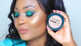 When using a powder-based illuminator, use either a medium-sized fluffy powder brush or an angled powder brush for application. After applying foundation, dust highlighter on the cheeks, chin, nose and top of forehead. Because the application is less localized than that of liquid highlighter, the result is more of an all-over dewy glow, as opposed to a contoured one. You can also swipe a little along the top of the brows to accentuate their shape!#highlighter#dewyskin#makeuphacks