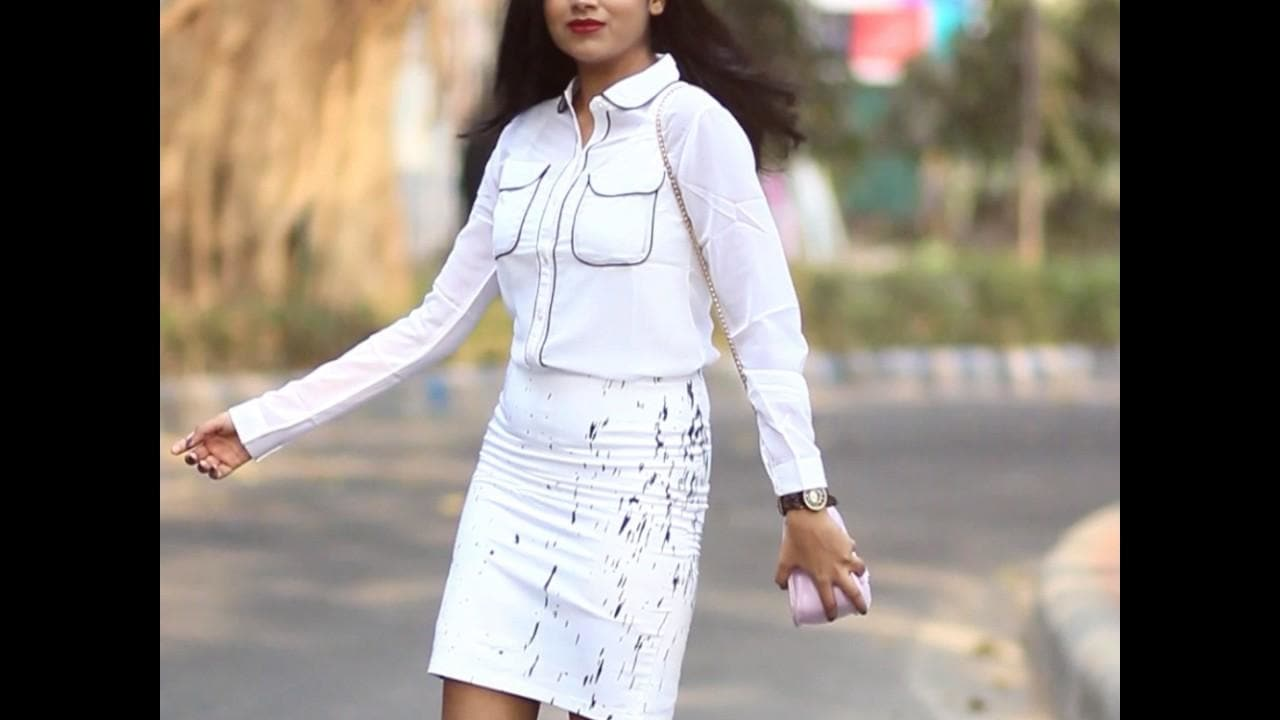 Watch out for our 'Shreds' series featuring the best of bloggers. Here's Shilpi Saha in Priyanka Chopra's look, donning our Paladin Shirt and Baroque Skirt effortlessly! Thanks Shilpi! #bollywoo #blogger #indianblogger #fashionblogger #lifestyleblogger #style #fashion #video #videooftheday #bloggervideo  #bollywooddecoded #bollyovermolly #stopthescreen #shopthescreen #officiallystolen #stardominabox #dontsnapdontflipjustwoo  Bollywood's official experience store - www.BollyWoo.ooo