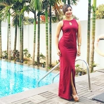 💃 ❤️ 💃 #maroondress #maxidress #roposogal #soroposo #roposostyle #dress
