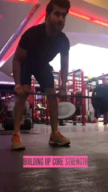 Building up core strenght! #fitness #workout #men #beard #sportswear #mumbai #video #gymrat #mumbai