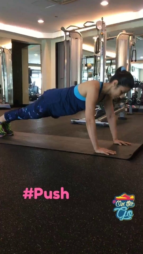 Push yourself cause no one else is going to do it for you.💋💋💋 Love M. #chefmeghna #fitness #fitnessmotivation #healthylife #gymwear #workout #fit #stayfit #pushup #onthego