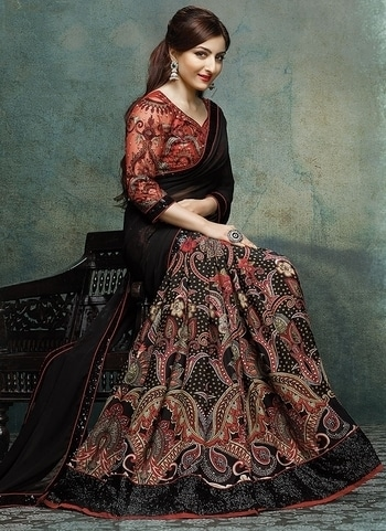 Party Wear Black Saree - Rs.790/- Only  Buy Now : https://kraftly.com/product/black-georgette-printed-and-lace-1487919780  Order On Whatsapp :- 8000011585,  #saree #designersaree #women-fashion #bollywoodfashion #sale #storeadda  #partywear #fashionblogger #bloggerstyle #ethnicwear #bolg #designersaree  #blacksaree #sareesstyle #sareelove