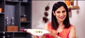 I am making Hummus for dinner tonight. What about you. 💋💋💋 Love M. #ChefMeghna #hummus