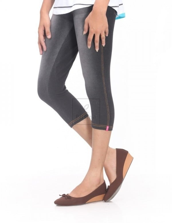 Black Texas 3/4th prisma jeggings should be one of the must have if you prefer trips often. Get more compliments by joining it with cotton half or full sleeved short kurtha. Outlook of Jeans Comfort of Leggings Presenting the all new Prisma Jeggings Capri Happy Shopping @ goo.gl/LEbik0 Walk-in @ Avinashi Road, Tirupur #Prisma #JeggingsCapri #JeggingsCapriFashion #WomensFashion #MyPrisma #BrandPrisma #PrismaOnline #PrismaRetail #HappinessDesigned #HappyShopping at Prisma, we design happiness . . . for you.
